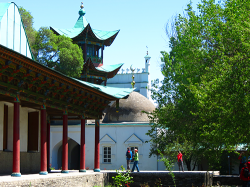 The central mosque of the city of Zharkent. It was built in 1895, according to the project of the Chinese architect Hui-zu Hong Pik.